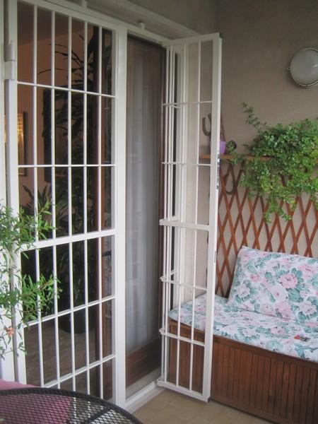 Vendita inferriate arredamento tessile a gorgonzola - Grate per finestre villa ...